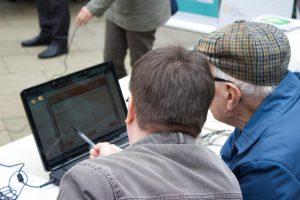 UK Online Centre Image - IT Session